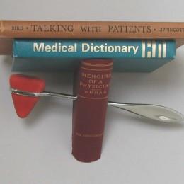 Tinty Medical Shelf